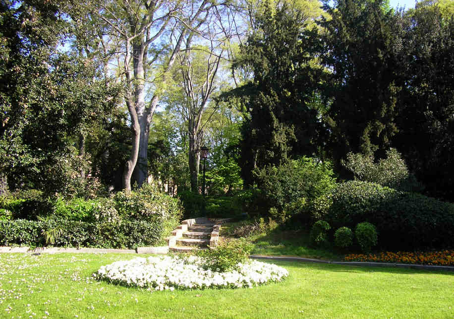 Giardino papadopoli 2 for Giardini a venise